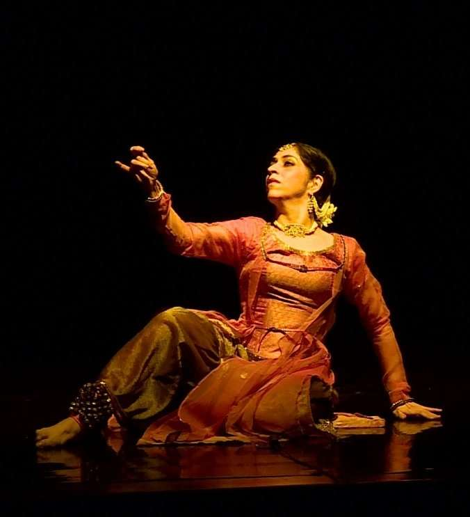Aditi Mangaldas Dance Company - The Drishtikon Dance Foundation 4